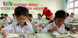 Cơm có thịt đến với học sinh nghèo Gia Lai
