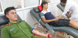 Gia Lai: Cảnh sát Cơ động hiến máu hiếm cứu cháu bé thoát khỏi tay tử thần
