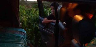 : 6.250 gói thuốc được vận chuyển trong chiếc xe Toyota Land Cruiser. Ảnh: Văn Ngọc