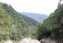 Hố Trời là một cụm gồm 14 ghềnh thác, nằm giữa hai hẻm núi có chiều dài từ 1,5-2 km. Ảnh: Ngọc Minh