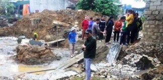 Nghệ An: 2 thợ hồ thương vong khi làm móng nhà, đổ sập bờ tường