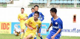 U19 Hà Nội (trái) đã bước vào bán kết với vị trí thứ 2.  Ảnh: Văn Ngọc
