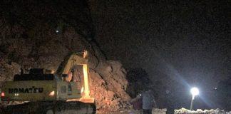 200 người trắng đêm tìm công nhân bị hàng nghìn tấn đá vùi lấp