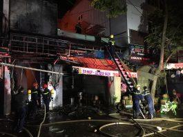 Ngọn lửa đã được khống chế để không lan sang các căn hộ xung quanh. Ảnh: V.N