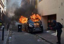 Chính phủ Pháp lại đau đầu vì biểu tình 'Áo ghi-lê vàng' tăng nhiệt