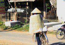 Người dân Nghệ An, Hà Tĩnh quay quắt dưới cái nắng như đổ lửa