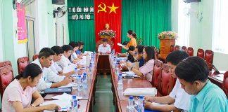 Quang cảnh buổi làm việc tại UBND huyện Phú Thiện. Ảnh: Hồng Thi