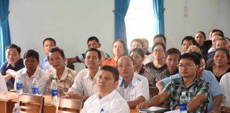 Các đại biểu và đông đảo người dân tham gia tại hội nghị. Ảnh: Hà Phương