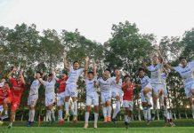 Cầu thủ đội U17 HA.GL ăn mừng giành quyền tham dự VCK với ngôi nhất bảng C. Ảnh: Minh Trần