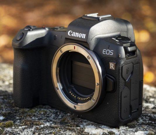"""Amazon """"lỡ"""" bán máy ảnh cao cấp chục ngàn đô với giá chỉ... 100 USD"""