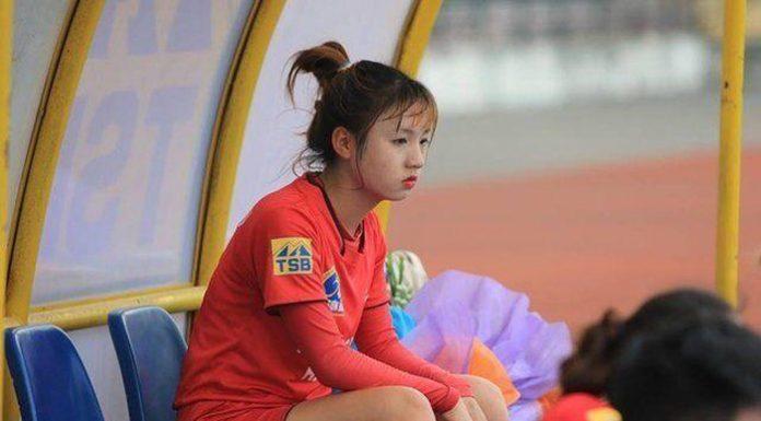 Nữ cầu thủ xinh nhất Việt Nam bị đồn yêu 'hot boy' U23