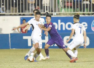 """Hoàng Anh Gia Lai nhận """"trái đắng"""" trước Sài Gòn FC ngay trên sân nhà"""