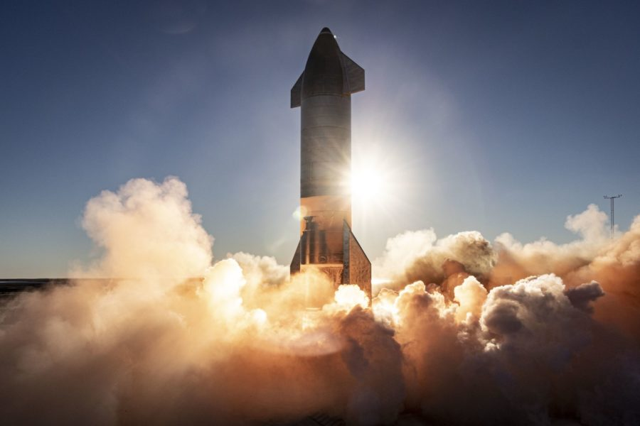 Nguyên mẫu Starship SN8 của SpaceX trong chuyến bay thử nghiệm. Ảnh: SpaceX.