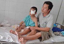 """Ia Grai: Con bị ung thư mắt, cha mẹ nghèo """"lực bất tòng tâm"""""""