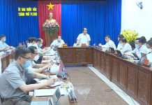 Chủ tịch UBND tỉnh Võ Ngọc Thành phát biểu tại buổi làm việc với TP. Pleiku. Ảnh: Hồng Uyên