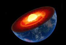 Bên trong Trái Đất gồm nhiều lớp với quá trình vận động phức tạp - Ảnh: NASA