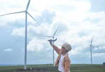 Cánh đồng điện gió ở xã Trang (huyện Đak Đoa) là địa điểm tham quan thú vị cho du khách. Ảnh: Phương Linh