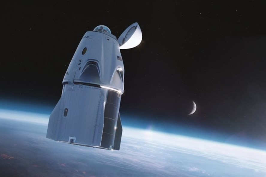 Tàu vũ trụ SpaceX Crew Dragon đã được trang bị cửa sổ quan sát hình vòm cho sứ mệnh Inspiration4 sắp tới. Ảnh: SpaceX