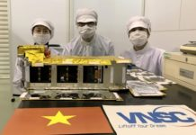 Vệ tinh NanoDragon của Việt Nam chính thức bàn giao cho Nhật Bản ngày 17/8/2021. Ảnh: Trung tâm Vũ trụ Việt Nam