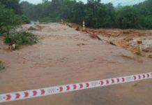 Nước lũ chảy mạnh qua cầu tràn làng Ngol (xã Ia Krêl, huyện Đức Cơ). Ảnh người dân cung cấp